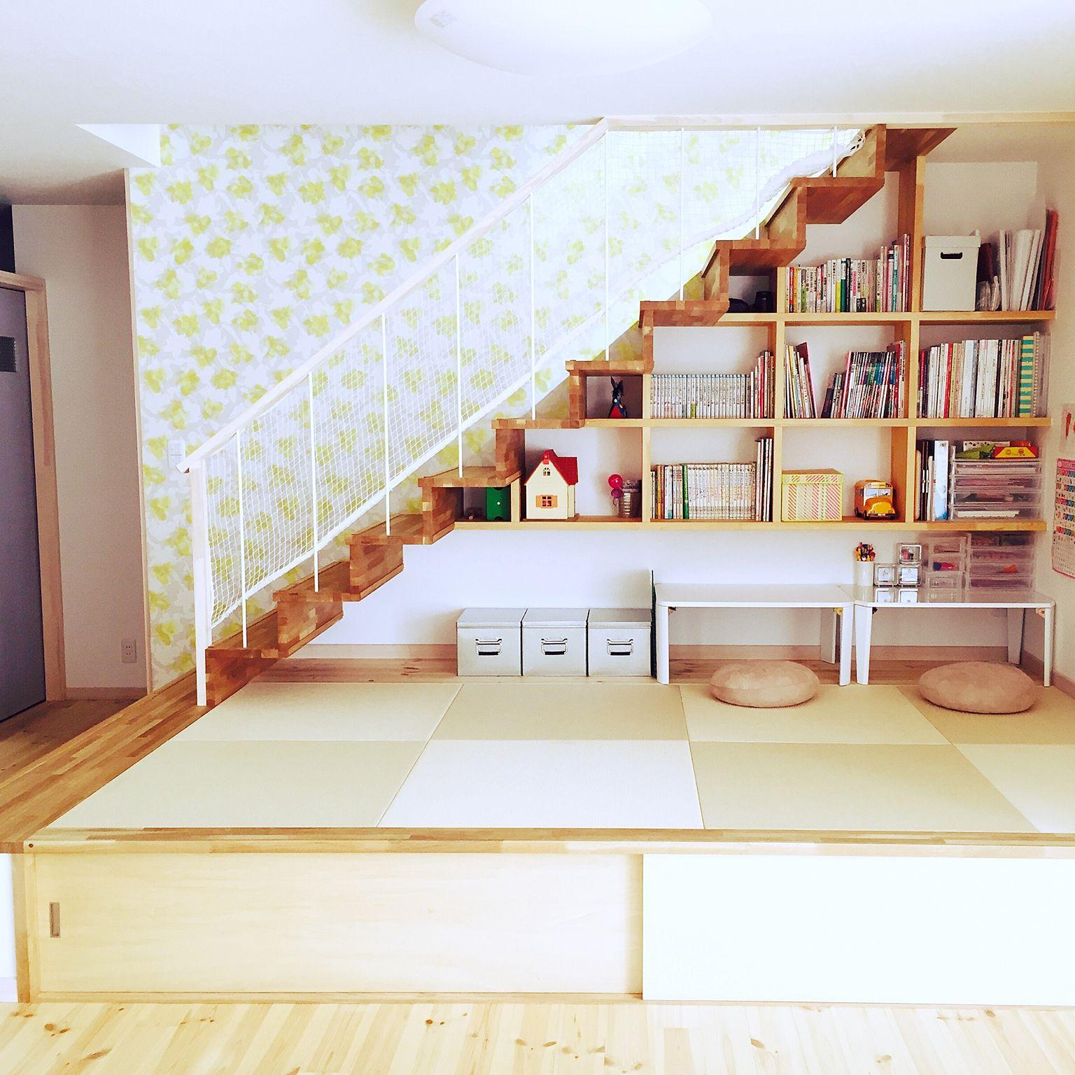 階段下の小上がり畳コーナー